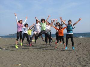 湘南ラン参加メンバーでジャンプ!