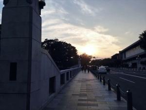 竹橋。右手奥には東京国立近代美術館があります。