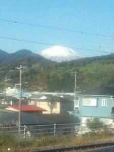 早くも富士山がくっきりと!雲一つない快晴に早くもワクワク。